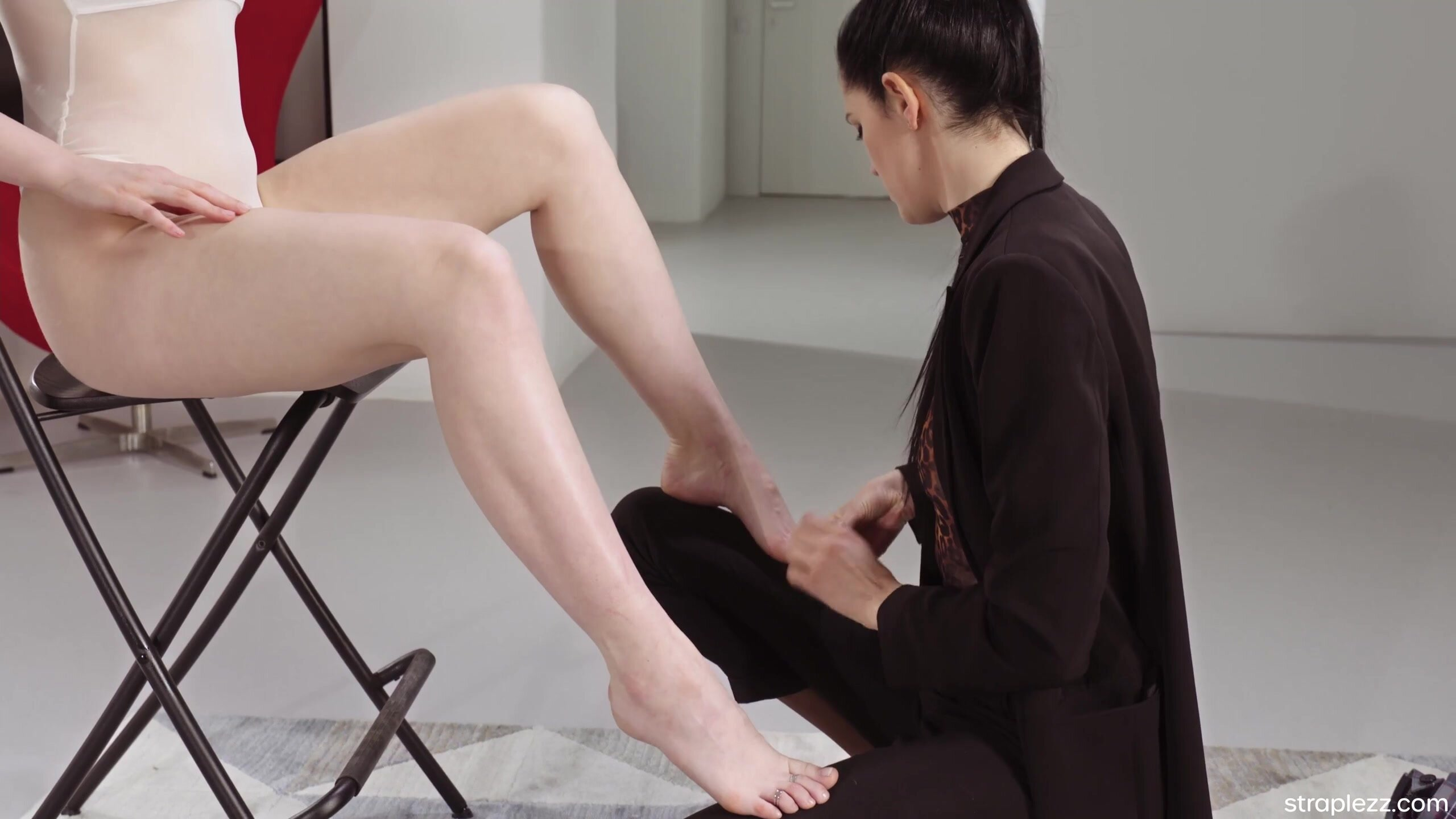 Lil Karla & Mia - Successful Foot Fetish Relationships